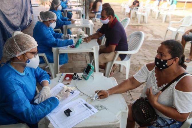 Países devem se preparar para enfrentar surtos recorrentes de COVID-19 pelos próximos 2 anos