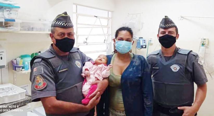 Polícia Militar reanima bebê engasgado em Piraju