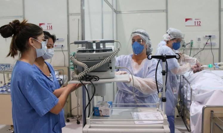 Apenas um terço dos profissionais de saúde foi testado para covid-19 / Agência Brasil