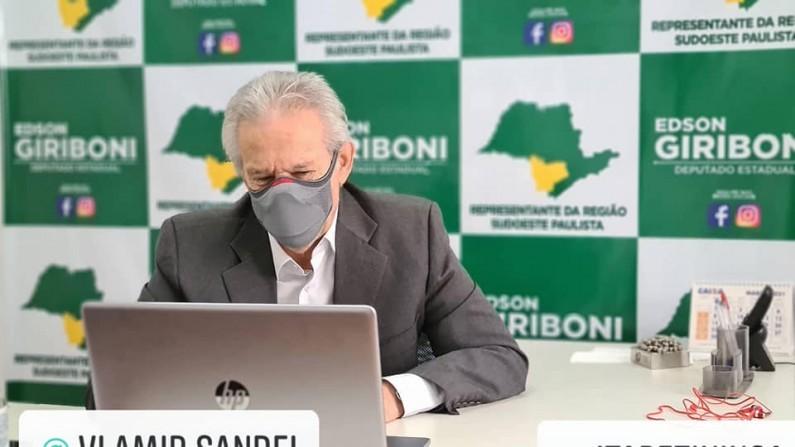 Giriboni comemora atendimento à sua indicação de vacina da Covid 19 para quem tem Síndrome de Down