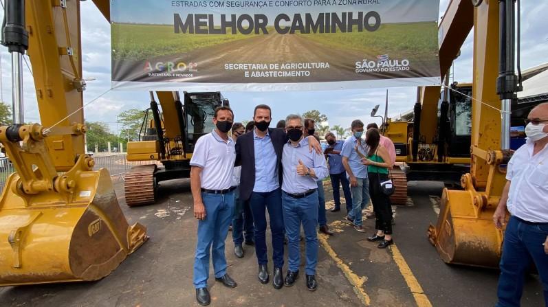 Isnar assina o convênio do programa Melhor Caminho para recuperar estradas rurais