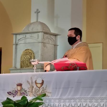 Comunidade Sagrado Coração de Jesus faz homenagem a padre Gilberto (imagens Conectai TV)