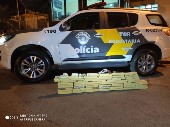 POLÍCIA RODOVIÁRIA APREENDE 35 KGS DE MACONHA NA REGIÃO