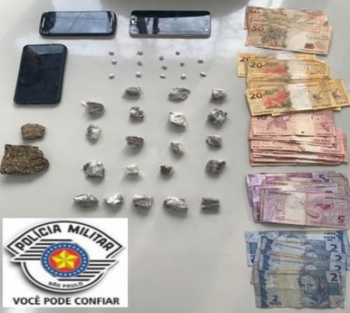Polícia Militar surpreende tráfico de drogas, associação ao tráfico e corrupção de menores