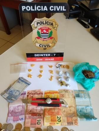 Polícia Civil prende dupla em flagrante por tráfico de drogas